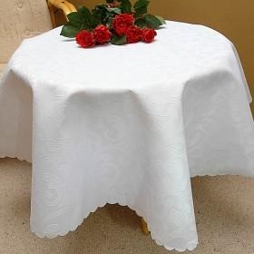 Obrusy plamoodporne na wymiar stołu